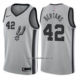 Camiseta San Antonio Spurs Davis Bertans #42 Statement 2017-18 Gris